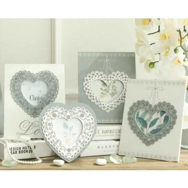 LACE LOVE FRAME - WHITE