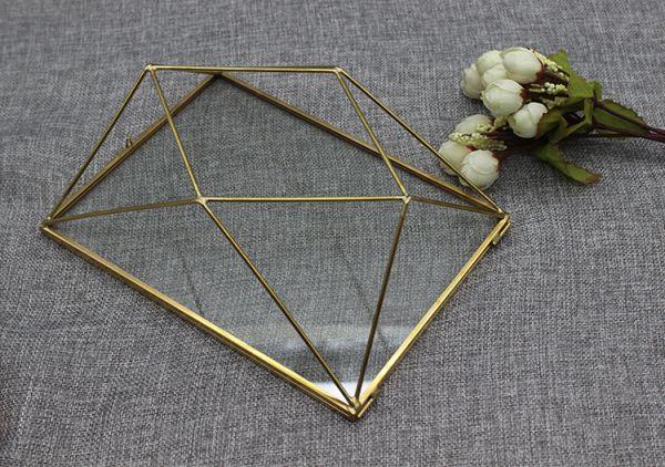 Geometry Hollow Frame - 18x23cm