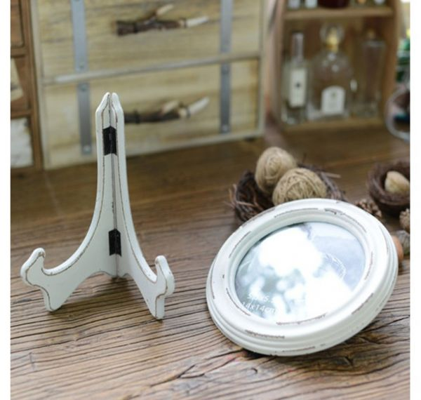 Round Wood Rustic Frame with Tripod